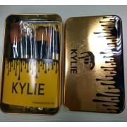 Набор профессиональных кистей для макияжа KYLIE, в железном футляре (12 шт) на beluxshop.com